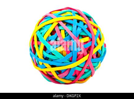 Eine Kugel, bestehend aus Kautschuk/elastische Bänder auf einem weißen Hintergrund. - Stockfoto