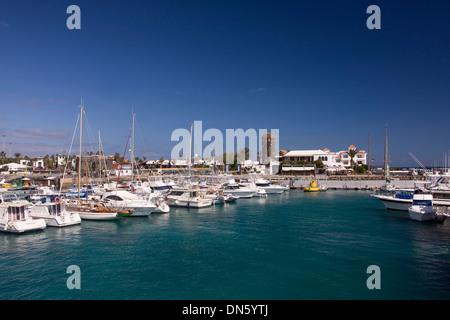 Hafen von Corralejo, Fuerteventura, Kanarische Inseln, Spanien - Stockfoto