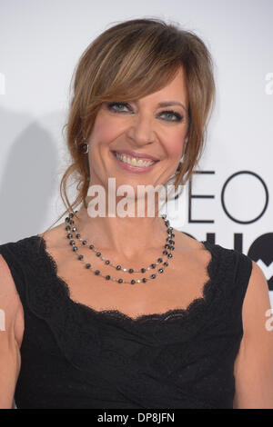 Los Angeles, CA, USA. 8. Januar 2014. Allison Janney kommt bei die Peoples Choice Awards in Los Angeles, CA 8. Januar - Stockfoto