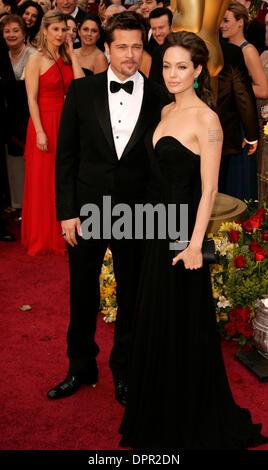 22. Februar 2009 ankommen - Hollywood, Kalifornien, USA - BRAD PITT und ANGELINA JOLIE für die 81. Oscar-Verleihung - Stockfoto