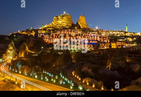 Uchisar Schloss und Dorf, Kappadokien, Türkei - Stockfoto
