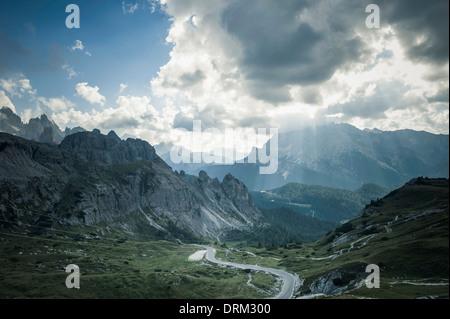 Italien, Provinz Belluno, Region Venetien, Auronzo di Cadore, Bergstraße bei Tre Cime di Lavaredo - Stockfoto