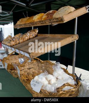 Brot für den Verkauf auf dem Markt in Haria Lanzarote - Stockfoto