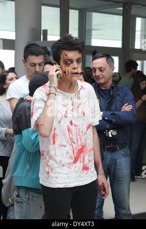 Rom, Italien. 6. April 2014. Menschen angezogen als Cosplay-Zeichen auf der Romics Messe in Rom. Bildnachweis: Gari - Stockfoto