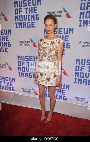 New York, NY, USA. 9. April 2014. Kate Bosworth im Ankunftsbereich für Museum of the Moving Image 28. jährlichen - Stockfoto