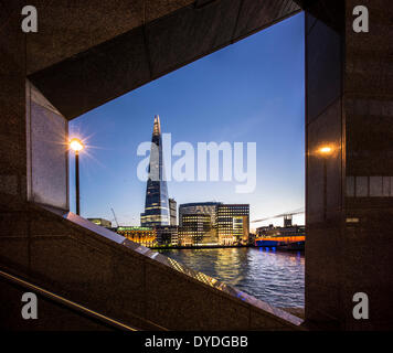 Die Scherbe mit Southwark Cathedral und London Bridge. - Stockfoto
