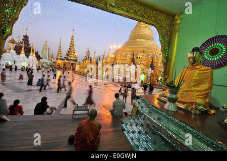 Shwedagon Pagode in Yangon, Birma, Myanmar, Asien - Stockfoto