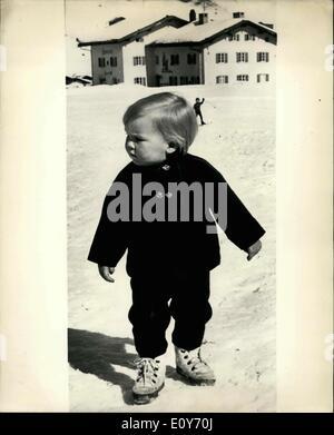10. März 1969 - Sohn von Prinzessin Beatrix im Urlaub in Lech, Österreich; Mitglieder des niederländischen Königshauses - Stockfoto