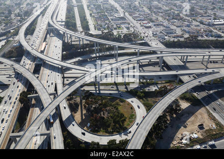 USA, California, Los Angeles, interstate 101 und Santa Monica Autobahnen Kreuzung (Luftbild) - Stockfoto