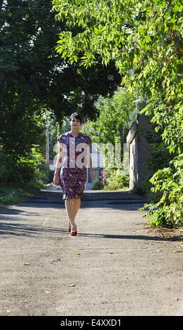Wandern in der Gasse - Stockfoto