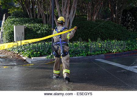 Los Angeles, Kalifornien, USA. 29. Juli 2014. Los Angeles Fire Department (LAFD) und Los Angeles Department of Water - Stockfoto