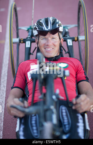 Nahaufnahme des Radfahrers in Para-Athletiktraining - Stockfoto