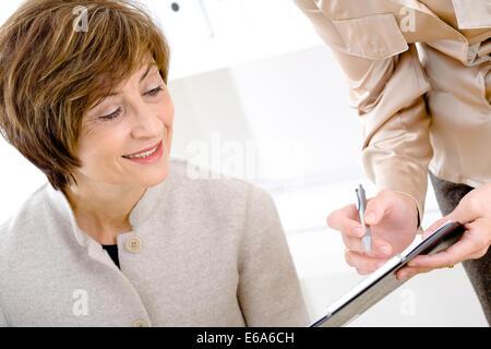 Begegnung, Gespräch, Diktat, Geschäftsfrau - Stockfoto