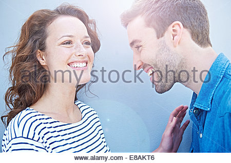 Nahaufnahme von paar lachen - Stockfoto