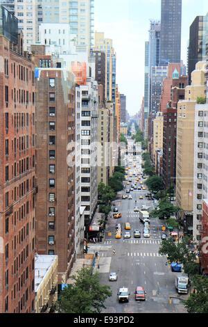 Luftaufnahme des Verkehrs auf der 1st Avenue, New York City, USA - Stockfoto