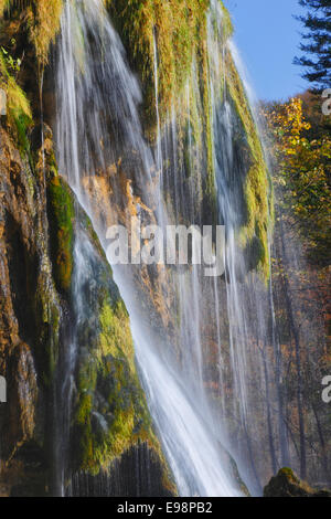 Wasserfall im Nationalpark Plitvicer Seen, Kroatien - Stockfoto