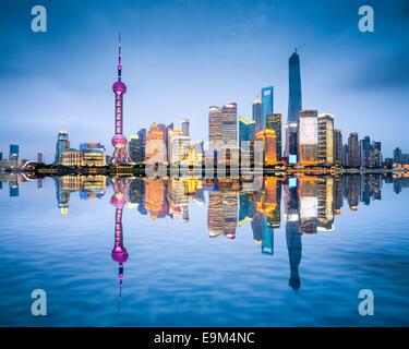 Shanghai, China Stadt Skyline von Pudong District. - Stockfoto