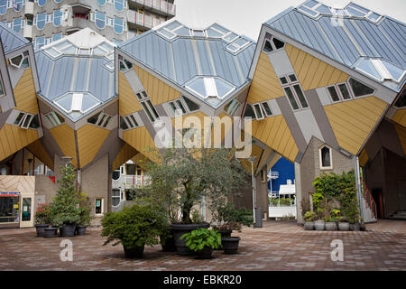 ... Cube Häuser Moderne, Zeitgemäße Architektur, Entworfen Vom Architekten  Piet Blom In Rotterdam, Holland