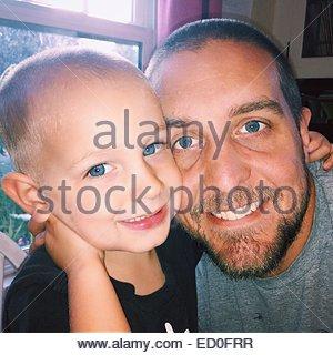 Porträt von Vater und Sohn - Stockfoto