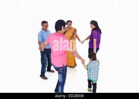 indische gemeinsame Familie Gruppe Spaß - Stockfoto