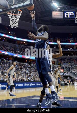 Washington, DC, USA. 19. Januar 2015. 20150119 - Villanova weiterleiten Daniel Ochefu (23) trifft gegen Georgetown - Stockfoto