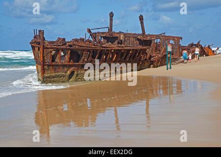 Rostige Hulk von Neuseeland Krankenhaus Schiff SS Maheno Schiffswrack auf Fraser Island, Hervey Bay, Queensland, - Stockfoto