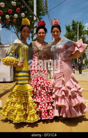 Flamenco-Tänzer bei der Feria de Abril in Sevilla, Andalusien, Spanien - Stockfoto