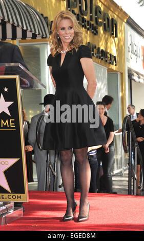 LOS ANGELES, CA - 29. Januar 2014: Cheryl Hines auf dem Hollywood Boulevard, wo sie mit dem 2,516th Stern auf dem - Stockfoto
