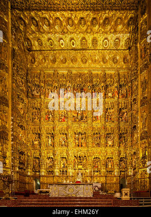 altar der kathedrale von sevilla sevilla spanien stockfoto bild 18275695 alamy. Black Bedroom Furniture Sets. Home Design Ideas