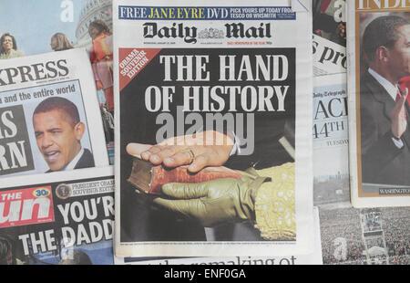 Britische Zeitungen nach der Amtseinführung von Präsident Barack Obama am 20. Januar 2009. - Stockfoto