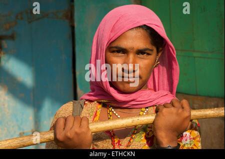 Porträt einer Frau aus Rajasthan. Jaisalmer, Rajasthan, Indien - Stockfoto