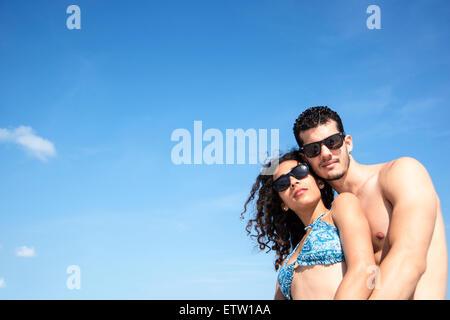 Lateinischen paar am Strand - Stockfoto