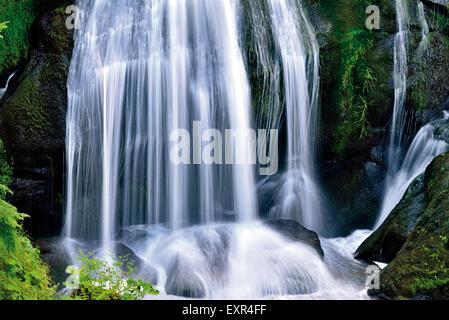 Deutschland, Schwarzwald: Kaskade von Triberg Wasserfall - Stockfoto