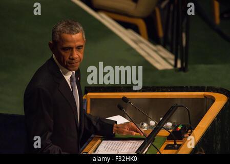 New York, Vereinigte Staaten von Amerika. 28. Sep, 2015. Präsident Barack Obama spricht mit der 13. Plenartagung - Stockfoto