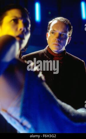 26. April 2002; Los Angeles, Kalifornien, USA; Kane Hodder stars wie Jason Voorhees/Uber Jason in neue Zeile CinemaA - Stockfoto