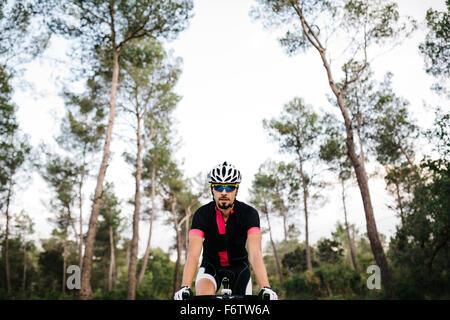 Radfahrer, die mit dem Fahrrad - Stockfoto