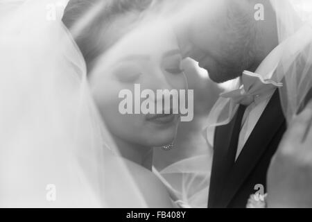 Braut und Bräutigam bei der Hochzeit - Stockfoto