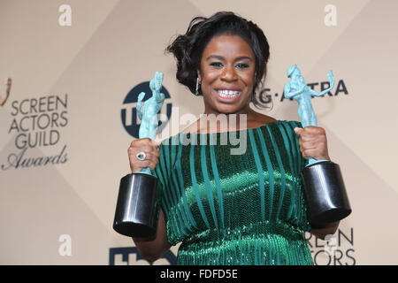 Los Angeles, CA, USA. 30. Januar, posiert 2016.Actress Uzo Aduba im Presseraum der 22. Annual Screen Actors Guild - Stockfoto
