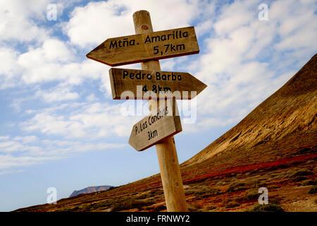 Pfade zu signalisieren, in der Mitte von la Graciosa Insel, Kanaren, Spanien, Europa - Stockfoto