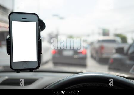 Smartphone in eine Pkw-Nutzung bei navigieren - Stockfoto