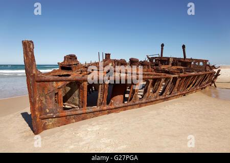 Luxusliner SS Maheno Wrack strandete am Strand auf 09.07.1935, 75 Mile Beach Road, offizielle Autobahn - Stockfoto