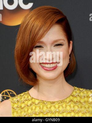 Los Angeles, CA, USA. 18. September 2016. Ellie Kemper im Ankunftsbereich für das 68. Annual Primetime Emmy Awards - Stockfoto