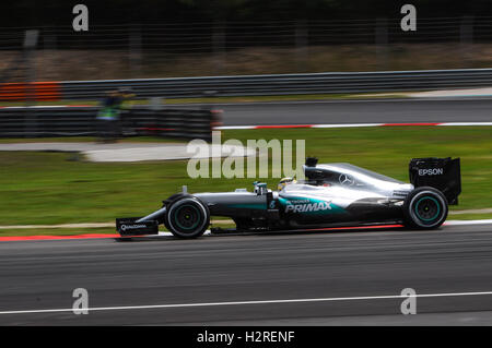 Sepang, Malaysia. 1. Oktober 2016. Mercedes AMG Petronas F1 Team britische Fahrer Lewis Hamilton fährt während der - Stockfoto