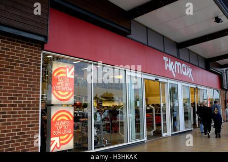 TK Maxx Discounter Kette in Westwood Kreuz Einkaufszentrum East Kent uk Oktober 2016 - Stockfoto