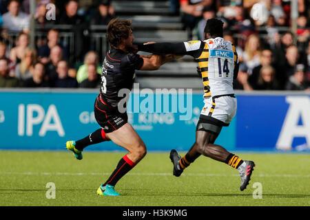 Barnet Copthall, London, UK. 9. Oktober 2016. Aviva Premiership Rugby. Sarazenen gegen Wespen. Christian Wade von - Stockfoto