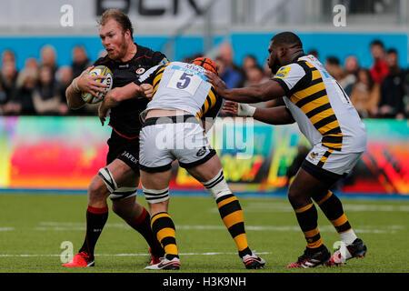 Barnet Copthall, London, UK. 9. Oktober 2016. Aviva Premiership Rugby. Sarazenen gegen Wespen. Schalk Burger der - Stockfoto