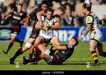 Barnet Copthall, London, UK. 9. Oktober 2016. Aviva Premiership Rugby. Sarazenen gegen Wespen. Jimmy Gopperth von - Stockfoto