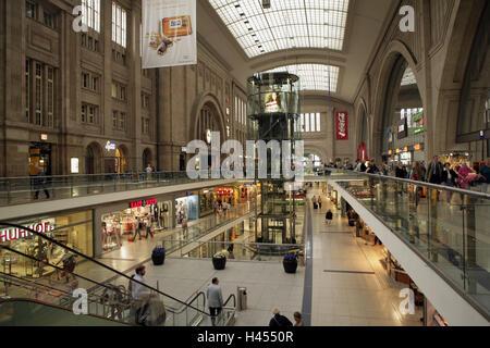 Deutschland, Sachsen, Leipzig, Hauptbahnhof, Einkaufszentrum, Stadt, Stadt, Reiseziel, Bahnhof, Einkaufen, Einkauf, - Stockfoto