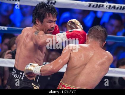 Las Vegas, USA. 5. November 2016. Manny Pacquiao (L) der Philippinen Stempel Jessie Vargas während den WBO-Titel - Stockfoto