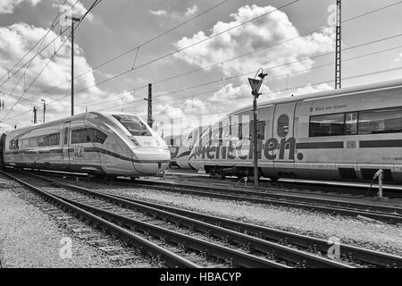 Deutsche Bahn: ICE-Züge in Berlin-Grunewald - Stockfoto